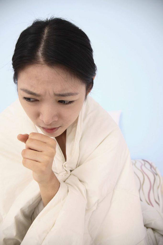 La toux peut faire partie des effets secondaires de la prise de SSKI