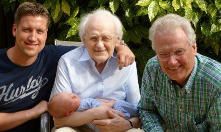 Personnes âgées : Comment les aider à rester auprès de leurs enfants ?
